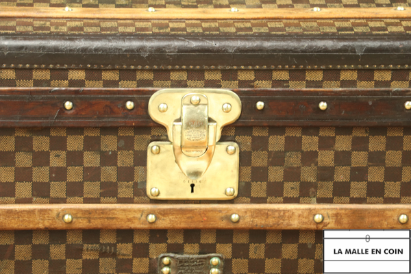 Louis Vuitton damier trunk 2
