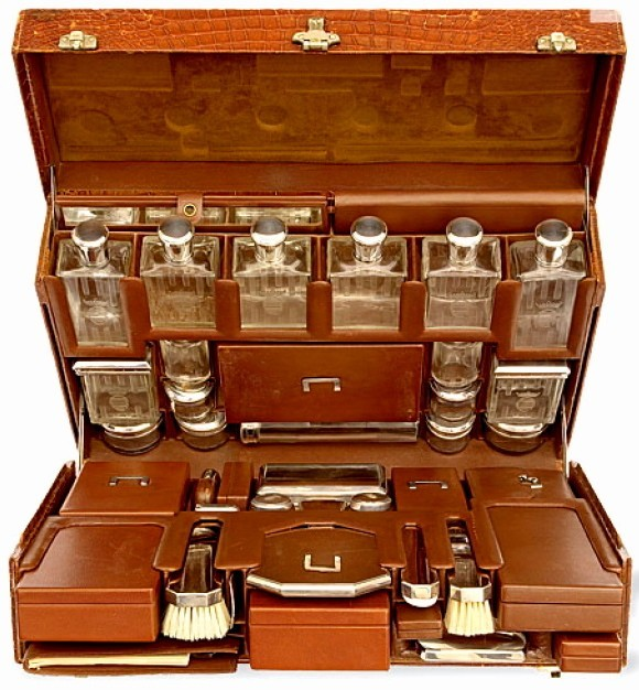 Valise Hermes on Antique British Campaign Furniture