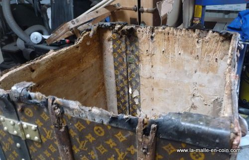 Malle Vuitton restauration phase 1