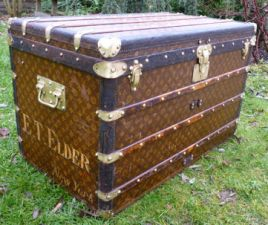 Malle_monogramme_Louis_Vuitton_courrier__cot_