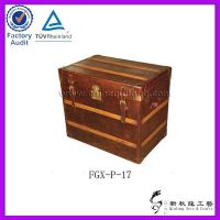 Old_decorative_canvas_suitcase_box___4__a__8_