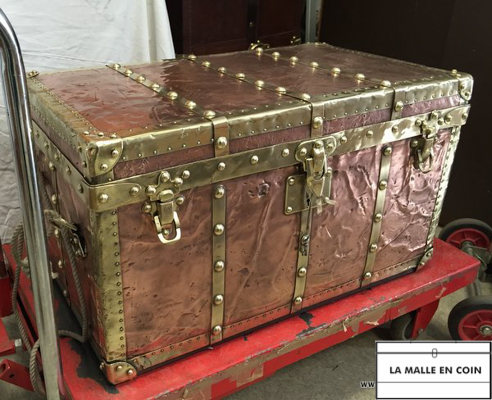 e1d78bbc0f6 Copper Exploration Louis Vuitton trunk. 07 2014 31 Malle ideal ouverte