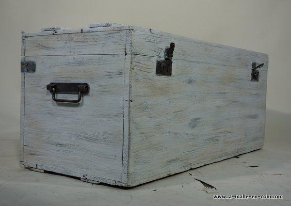 La malle en coin  R1206 Coffre cerusé blanc  Malle a restaurer  decorer -> Ceruser Blanc