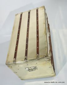 2-R1733__Malle_courrier__Louis_Vuitton__LAITON___dessus_