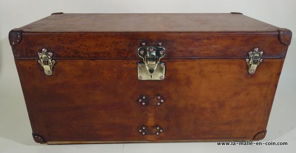 la malle en coin restauration d 39 une malle cuir louis vuitton le blog. Black Bedroom Furniture Sets. Home Design Ideas