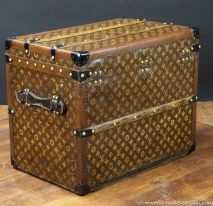 R2299  Malle  chassures monogram  Vuitton  3-4 Arriere