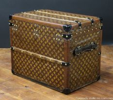 R2299  Malle  chassures monogram  Vuitton  arriere 33