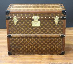 R2299  Malle  chassures monogram  Vuitton  face
