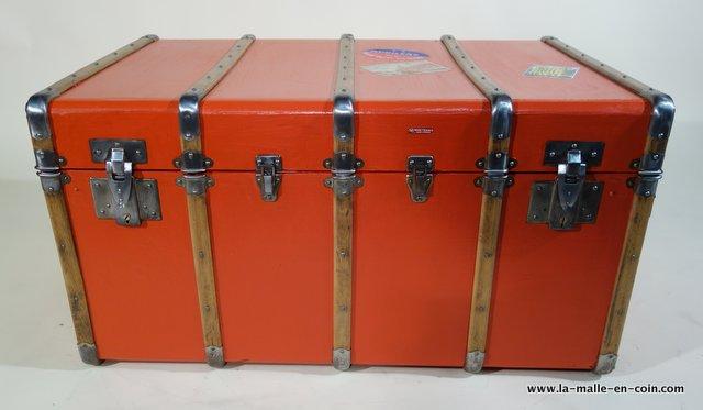 R1788 Manufrance bentwood banded steamer trunk