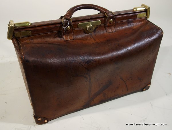 Louis Vuitton travel bag in leather, called