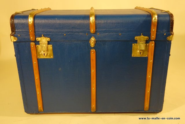 R1983 Bentwood banded commode trunk
