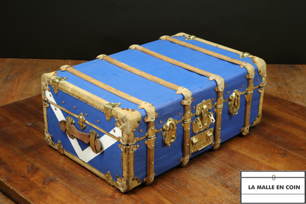 R1752  Blue cabin trunk