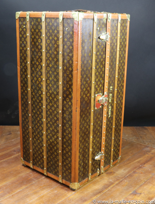 c72fb845fa36 Luxury trunks   DV19 Louis Vuitton monogrammed wardrobe trunk