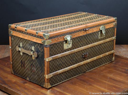 R2534 Moynat Damier Steamer trunk