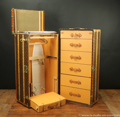 MTT2018-13 Malle armoire Louis Vuitton Wardrobe complète