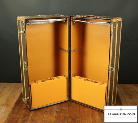 malle armoire louis vuitton double penderie. Black Bedroom Furniture Sets. Home Design Ideas