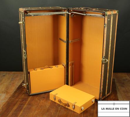 VENDUE  MTT2018-24  Malle armoire double penderie Louis Vuitton
