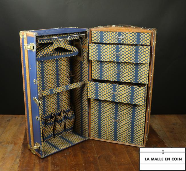R2666 Wardrobe  bleue