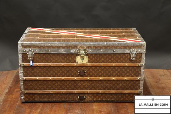 Malle courrier Louis Vuitton R2796