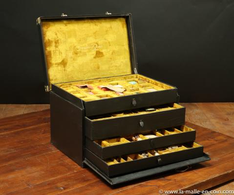 R2192 Marmotte Lavolaille pour parfums CLERMONT ET FOUET