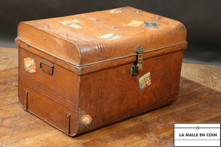 Metal chest R2144