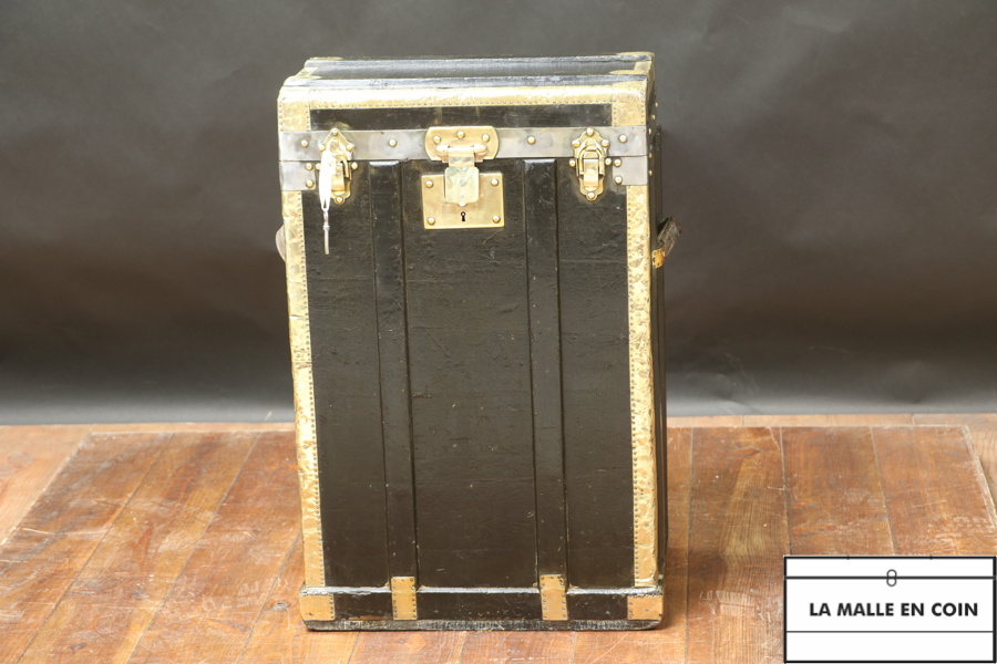 Black trunk, coated canvas and brass with key R2896
