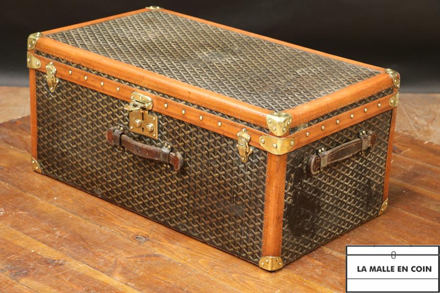 Small Goyard trunk with herringbone canvas  R2906