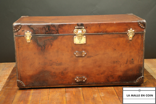 Huge Louis vuitton leather Steamer trunk R2583