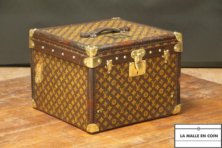Malle à chapeau  Louis Vuitton - R2744