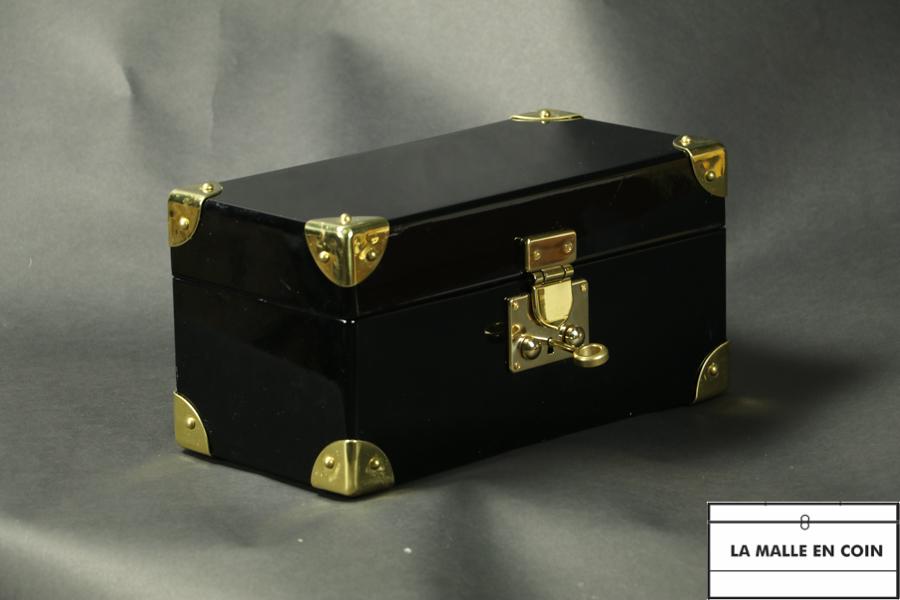 Malle à bijoux laquée noir, coffret, malle de poupée avec clef R2779