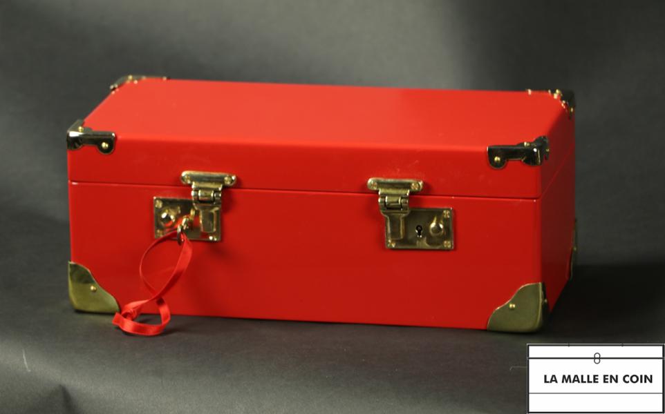 Malle à bijoux, laquée rouge, coffret, malle de poupée avec clef R2780