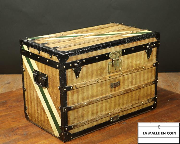 Malle Louis  Vuitton à toile rayée - R2697