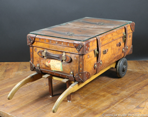 R175 Leather trunk and baggage trolley