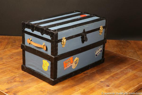 R2210 Blue flat top trunk