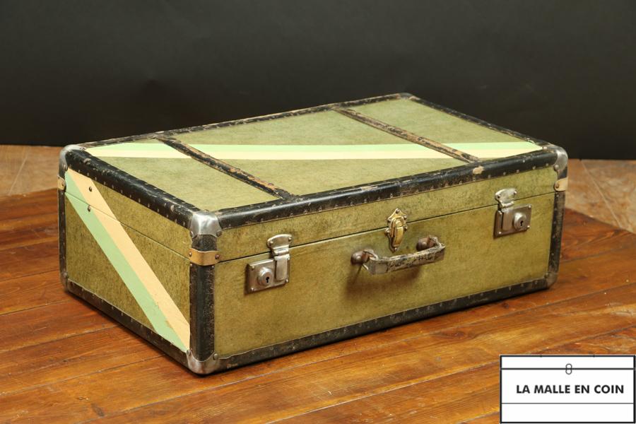 R2607  Valise  en bois et fibre