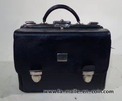 R1631 Black travel bag
