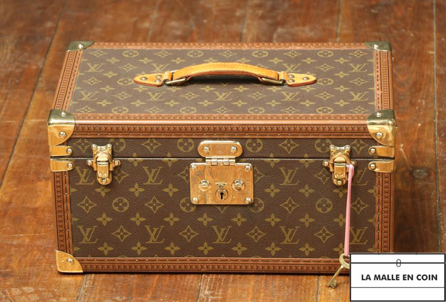 Vanity-case - boite à flacons Louis Vuitton R2840