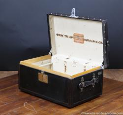 Moynat car trunk dating from February 1905