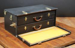 Louis Vuitton vintage car  trunk