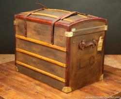 Curved Moynat trunk