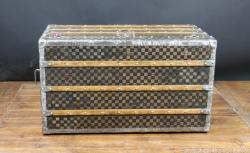 Louis vuitton damier steamer trunk with Key
